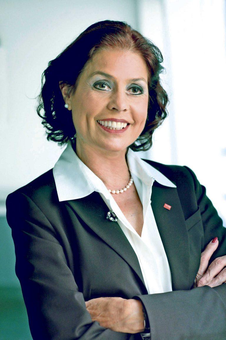 Insbesondere wirkt der Chief Digital Officer als Treiber der Digitalisierung und Brücke zwischen IT und Geschäftsführung.